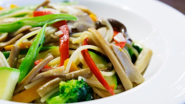 Vegetarian thai food healthy food raw diets if you love exotic tastes with a hint of spice thai food could be the perfect choice for you there are plenty of great thai vegetarian recipes which will forumfinder Image collections